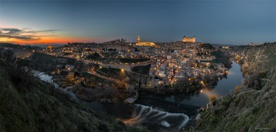 Toledo in Blue Hour © Darío Sastre